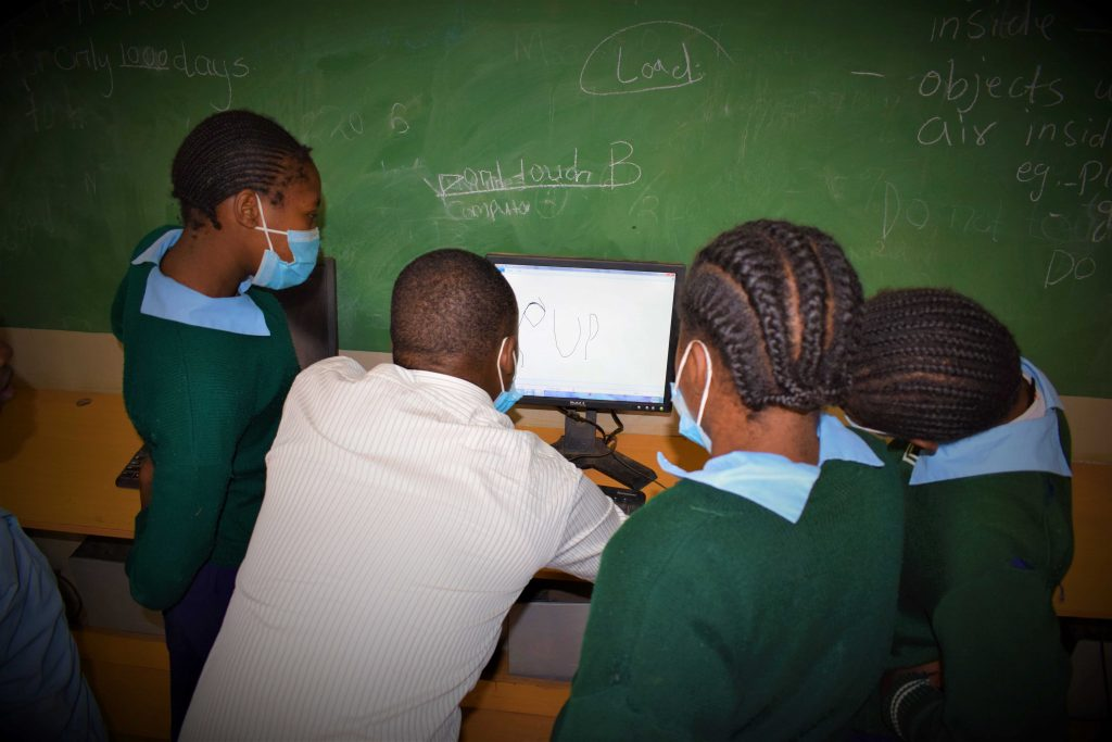 Students at Mathari Primary School in a computer class.